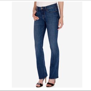 🌵•Lucky Brand• Sweet' N Low Boot Cut Jeans